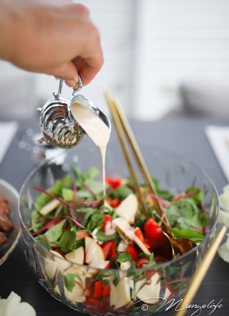 Pähkinäinen salaattikastike ja muita grillipöydän herkkuja