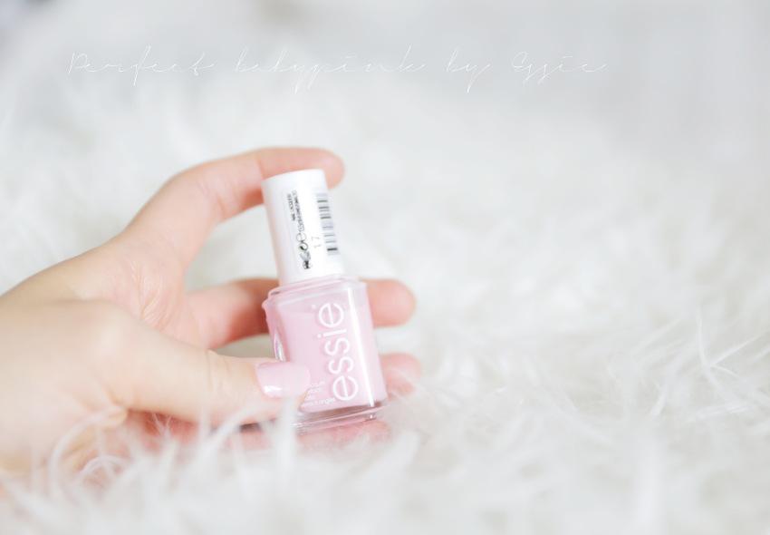 Babypink nails