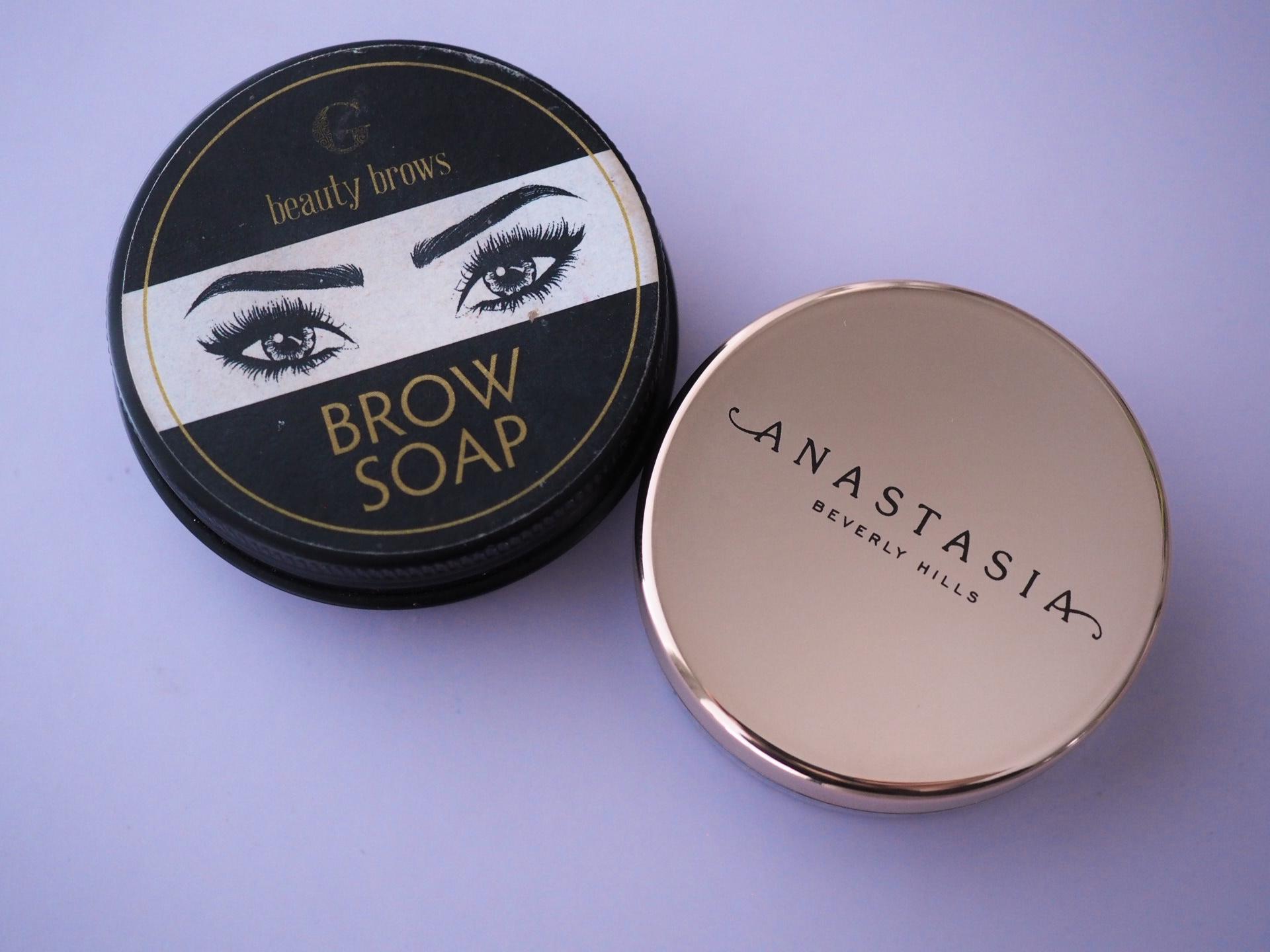 Vertailussa ABH:n Brow Freeze ja G Beauty Labin Brow Soap