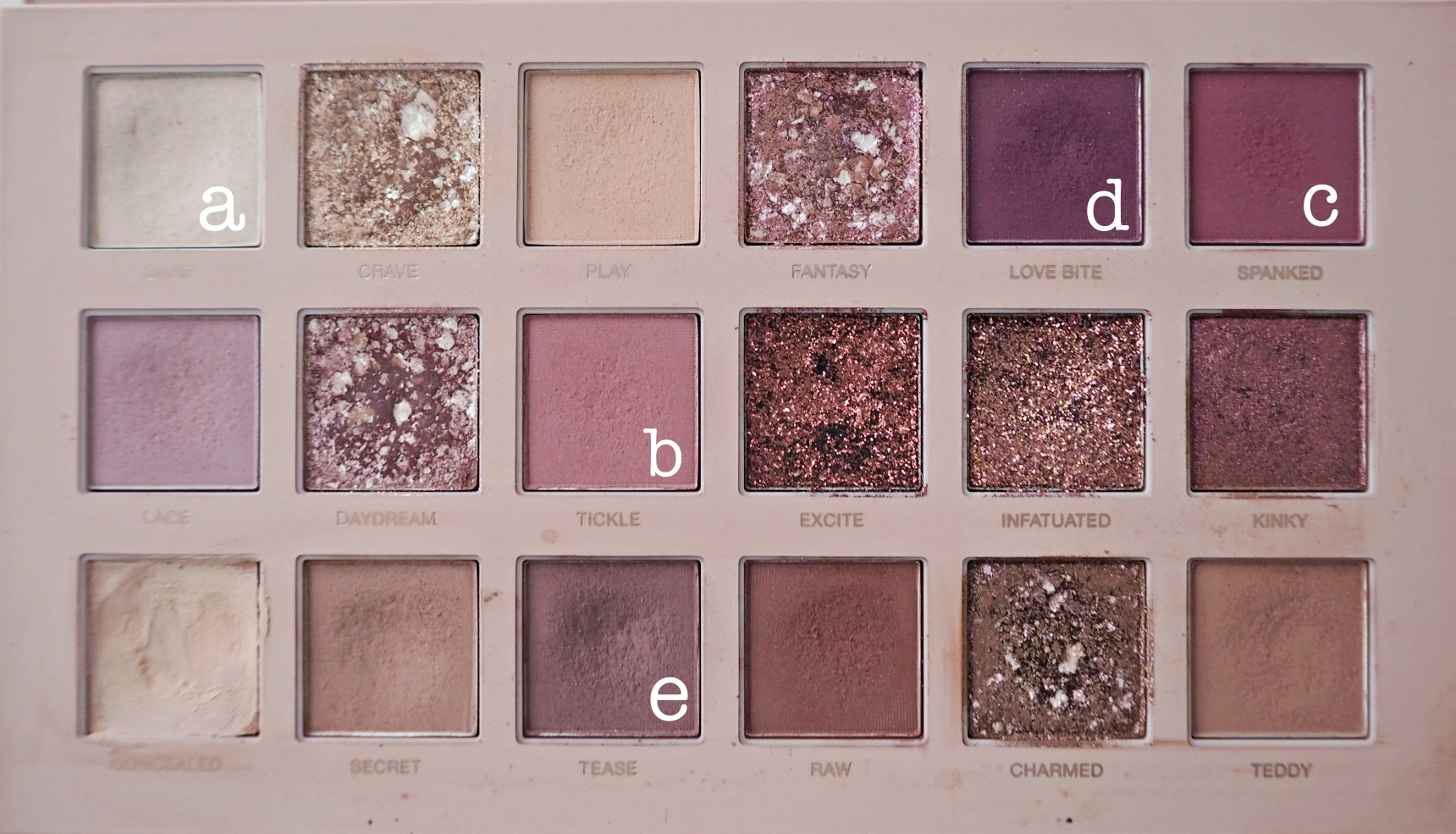 HUDA BEAUTY new nude tutoriaali