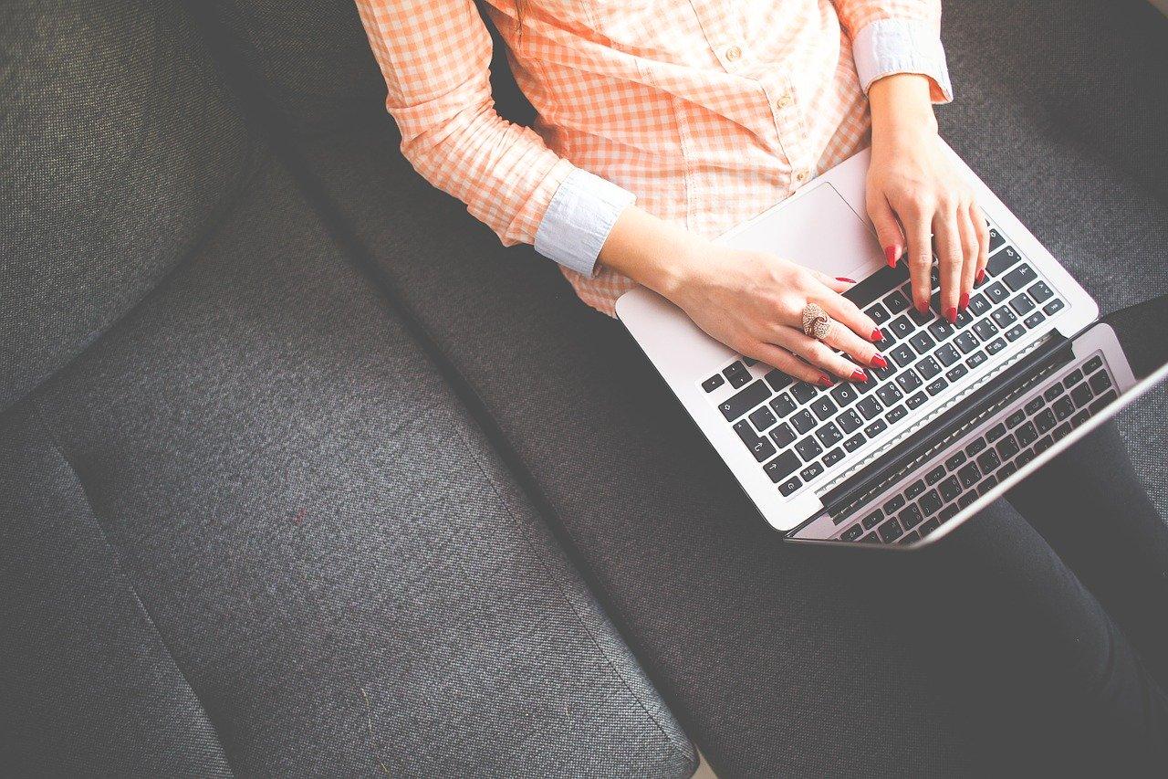 Miten minä voisin sinun mielestäsi kehittää itseäni bloggaajana?