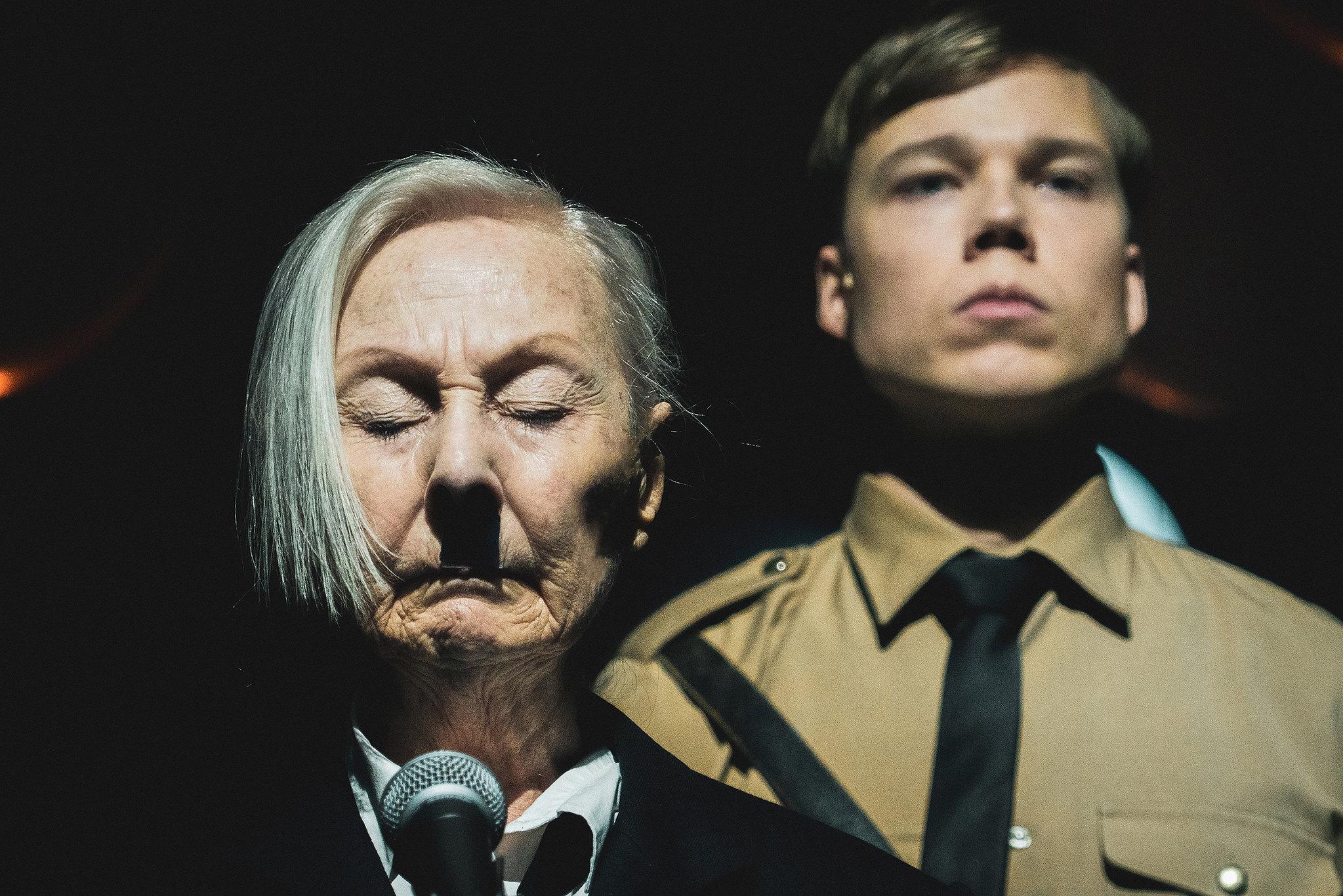 Hitler_ja_Blondi