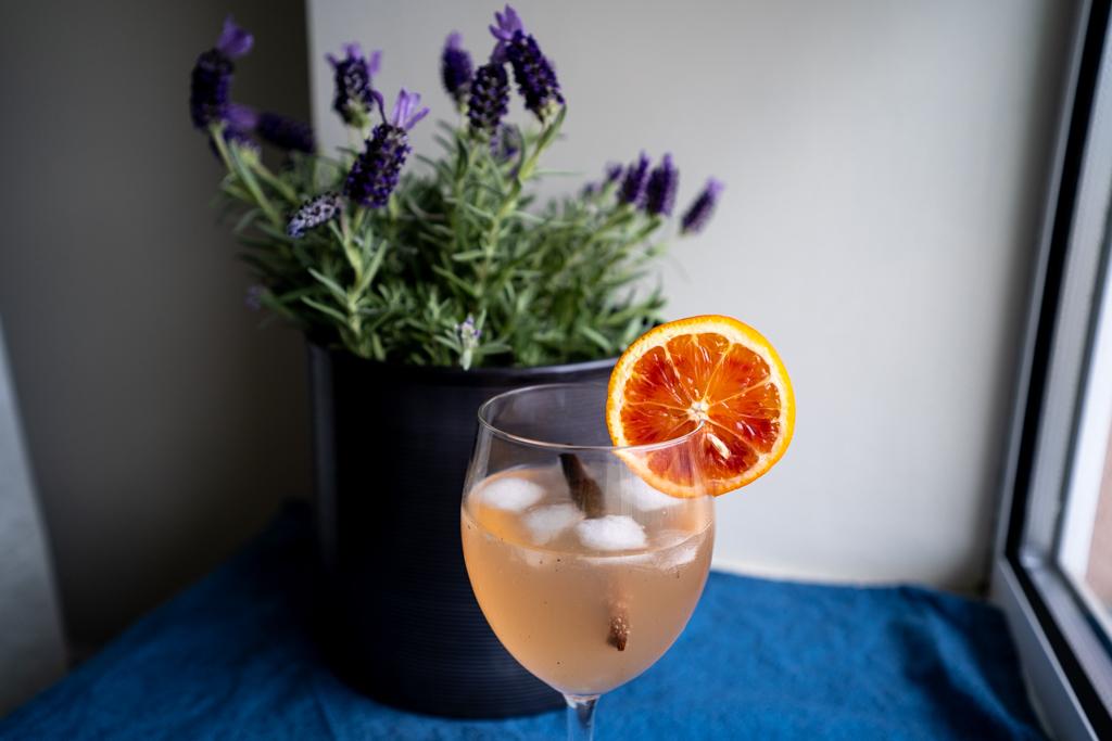 Veriappelsiini gin tonic