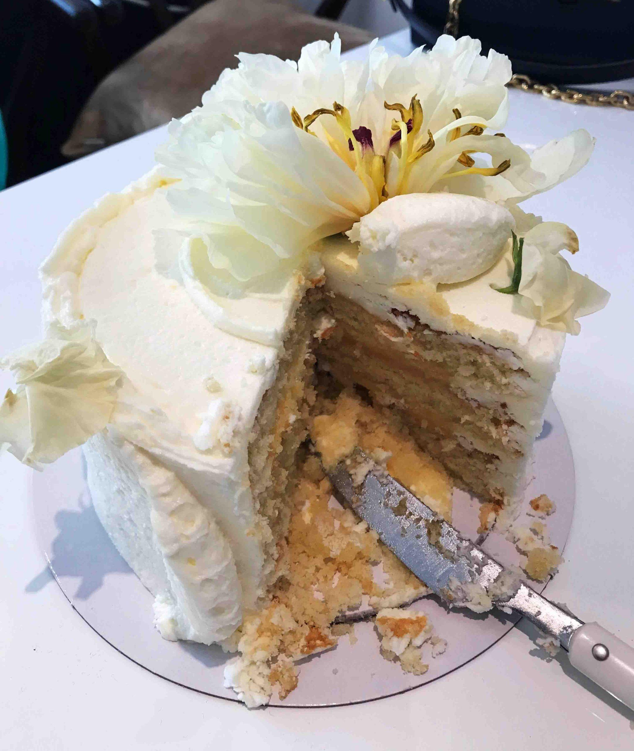 Rosana Eats Meghan Markle Wedding Cake
