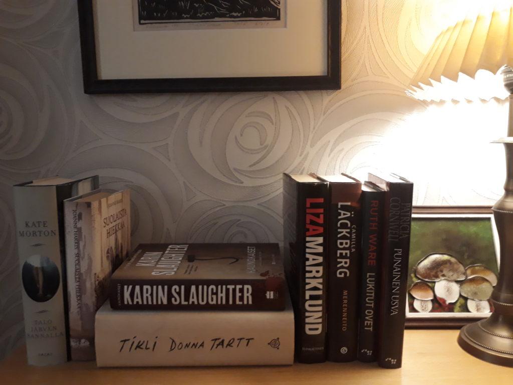 Lukuisia ja lukemattomia kirjoja