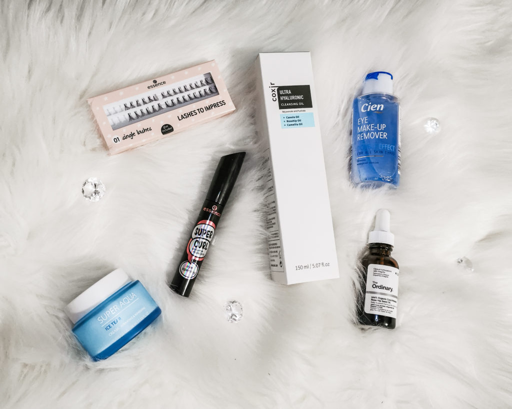 Joulukuussa ostetut kosmetiikkatuotteet – kuinka paljon rahaa kului kosmetiikkaan?