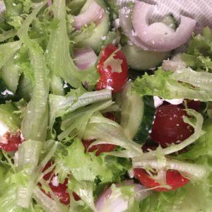 Nytkö sitä taas syödään vain salaattia?